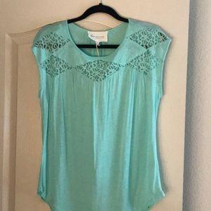 Sleeveless Lace Detail Shirt